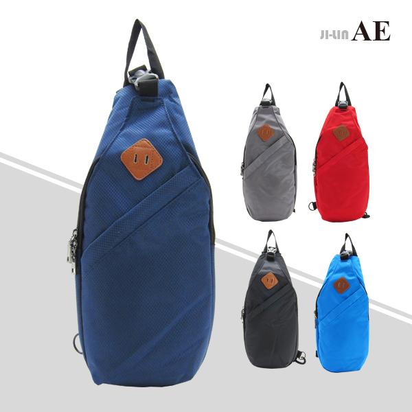 87-8801《AEDHWA愛德華》質感尼龍豬鼻單肩背包 (五色)