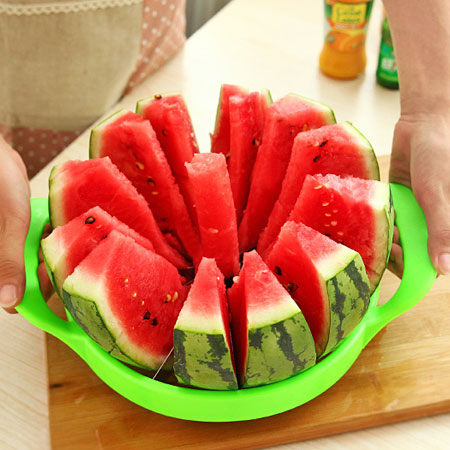 居家創意 不鏽鋼切西瓜神器 (顏色隨機) 水果切片器 哈密瓜分割器 懶人西瓜刀【N200650】