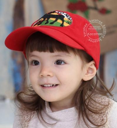 Kocotree◆五角星麋鹿質感刺繡棒球帽-紅色