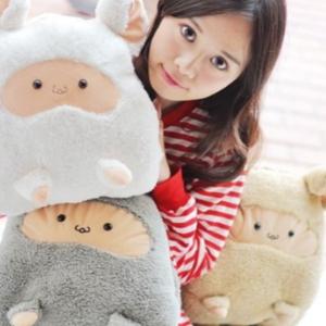 美麗大街【106011909】可愛綿羊造型 保暖毯子 毛毯 抱枕 暖手枕