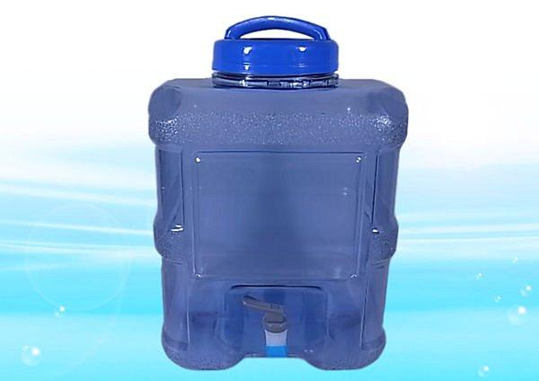 20公升提水桶《附出水龍頭,外出方便的好幫手