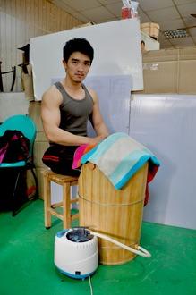 檜木蒸腳桶 足蒸桶 )蒸腳幫助血液循環-台灣第一領導品牌-雅典木桶 木浴缸、方形木桶、泡腳桶、蒸腳桶、蒸氣烤箱