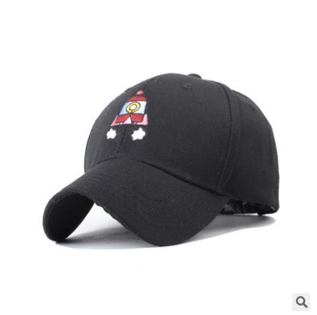 50%OFF【E012558H】嘻哈潮牌卡通飛船刺繡男棒球帽女鴨舌帽情侶運動帽高爾夫球帽(附盒子包裝)