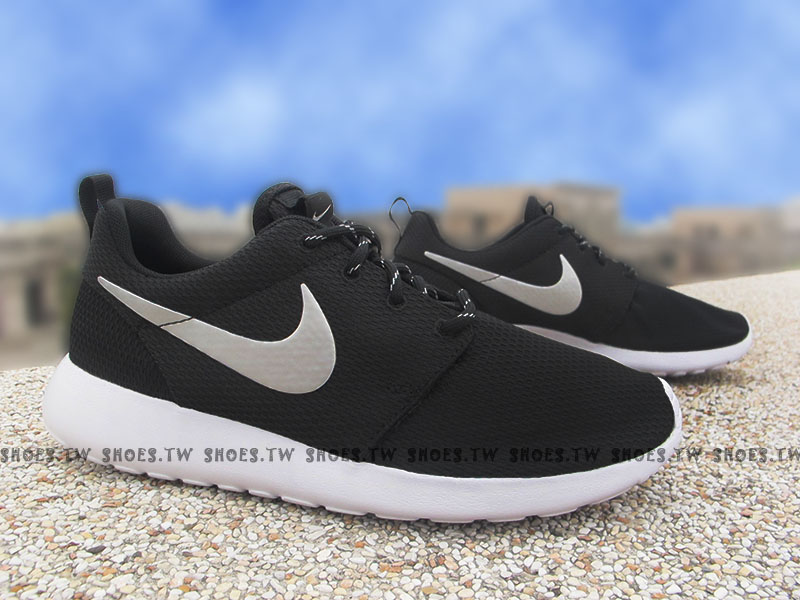 Shoestw【511882-094】NIKE WMNS ROSHE ONE 黑銀 點點鞋帶 女生