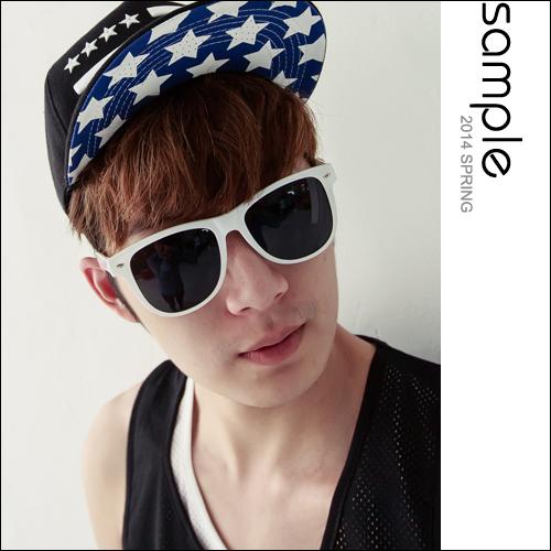 墨鏡【Sample】韓國空運,Wayfarer款白框經典太陽眼鏡【SA7620】