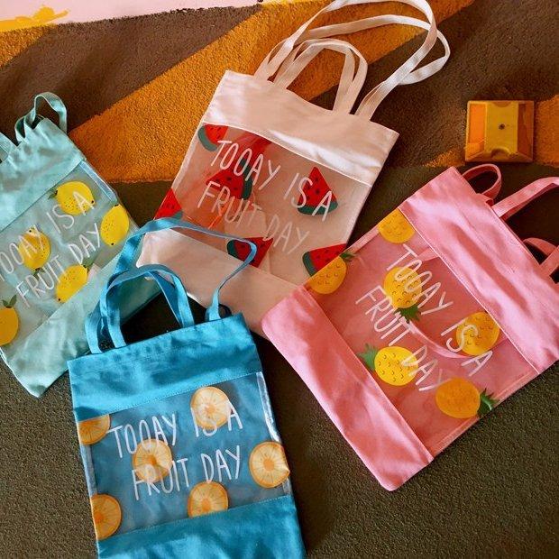 =優生活=韓國小清新透明拼接水果 西瓜 鳳梨 檸檬 柳丁英文帆布購物袋果凍沙灘包可愛女側包 肩包