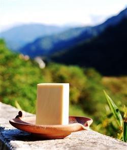 《茶山房》天然手工肥皂- 蜂蜜牛奶皂 Honey and Milk Soap•『阿公私房系列』