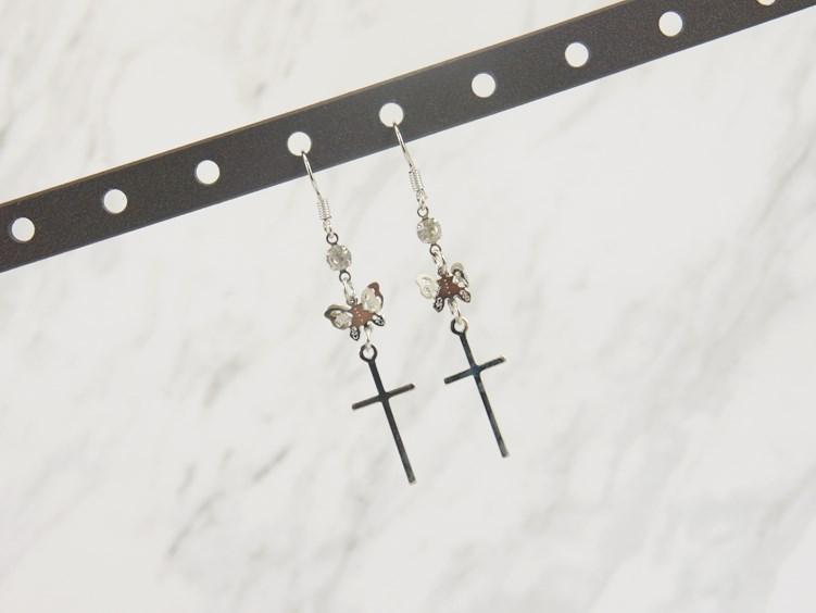 2386384蝴蝶十字架垂墜耳環、耳扣、耳勾、耳針、耳飾