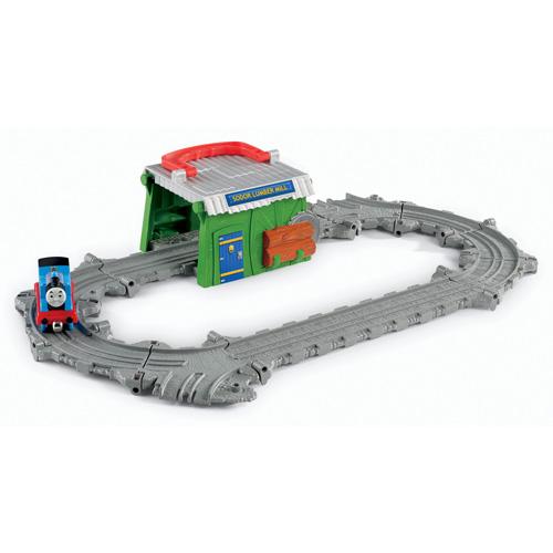 ★衛立兒生活館★Thomas&Friends 湯瑪士小火車 湯瑪士帶著走-多多島伐木工廠遊戲組