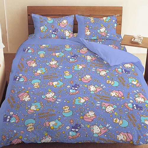 【UNIPRO】三麗鷗家族明星 Hello Kitty 雙子星 Little Twin Stars 酷企鵝 5X6.2尺 雙人床包組(枕頭套X2+床單X1) 55周年太空風 藍 三麗鷗正版授權 台灣精品 KT