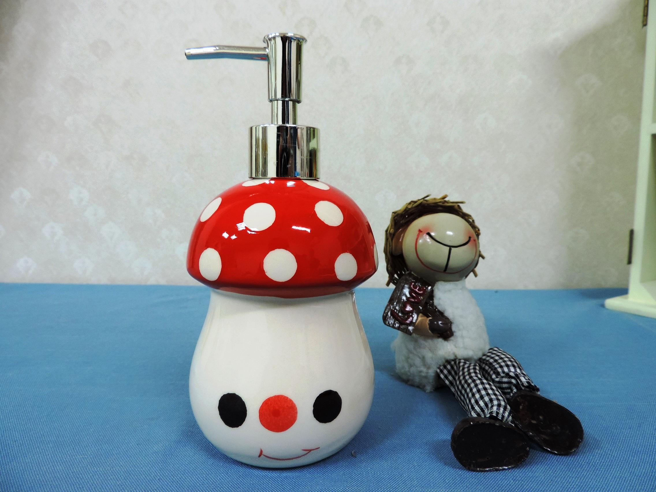 ↙特價 ↘ 《紅色》可愛蘑菇造型乳液罐 洗手液罐 沐浴瓶 洗髮乳 填充罐 洗碗精罐◤彩虹森林◥
