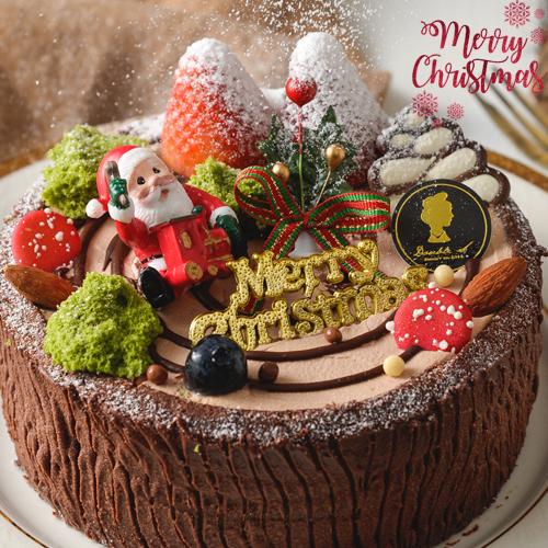 ❤滿$799送搭啵s購物袋❤聖誕蛋糕94要強★全台限量只有600組★6吋聖塔菲森林(免運)★大雪紛飛,聖誕老公公帶著幸福的滋味來敲門! 猶如莓果森林般的奇幻冒險,我們以斧頭將巧克力年輪劈開後,香甜的莓果慕斯流出滿滿綜合莓果果漿,這將會是今年收到最幸福爆表的禮物~特別感謝報章雜誌【歡樂智多星】【上班這黨事】【綜藝大熱門】團購美食大推薦