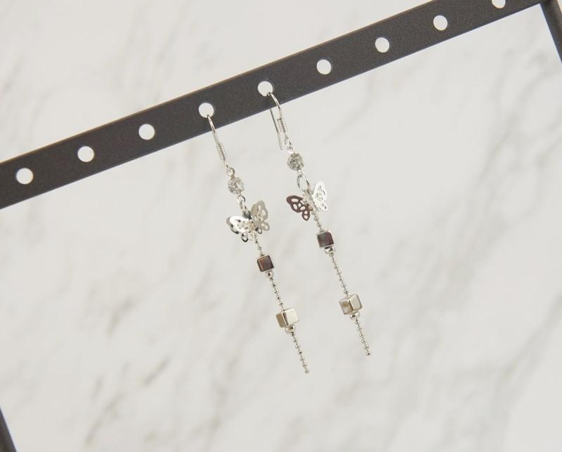 2388913蝴蝶金屬方塊垂墜耳環、耳扣、耳勾、耳針、耳飾