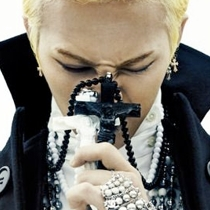 | Star World。Necklace | BIGBANG GD 權志龍 同款大十字架長款圓珠項鍊毛衣鏈