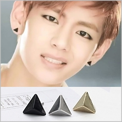 BTS V 同款韓國탑삼각블랙홀小三角金字塔造型耳環 (單支價)