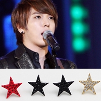 | Star World。Earring |  CNBlue 鄭容和 同款簡單造型五角星鑲鑽耳釘耳環 (單支價)