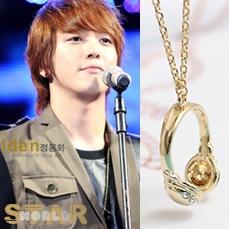|  Star World。Necklace |  CNBlue 鄭容和 同款金色鑲鑽小耳機項鍊毛衣鏈