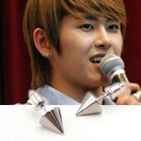 | Star World。Earring |  INFINITE Hoya 同款大金字塔尖錐耳釘耳環 (單支價)