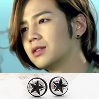 | Star World。Earring | 張根碩 愛情雨 同款簡約設計黑邊五角星圓耳釘耳環 (單支價)
