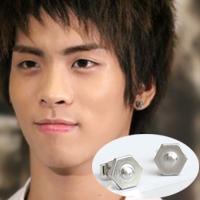   Star World。Earring   SHINee 鐘鉉 同款六角凸點造型耳釘耳環 (單支價)