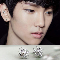 | Star World。Earring |  SHINee KEY 同款迷你蜘蛛造型耳釘耳環 (單支價)