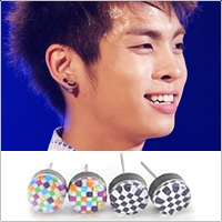   Star World。Earring   SHINee 鐘鉉 同款馬賽克圓耳釘耳環 (單支價)