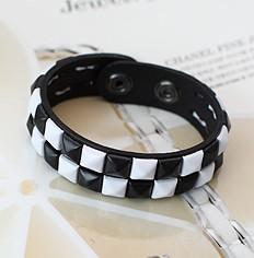 | Star World。Bracelets |  SHINee Key 同款雙排黑白格鉚釘皮革手環手鍊