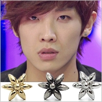   Star World。Earring    MBLAQ 李準 同款精緻綻放花朵花瓣造型耳釘耳環 (單支價)