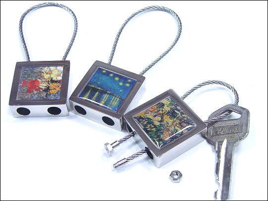 《清倉鋪》 梵谷鋼繩鑰匙圈  一組10入 買四組最便宜平均一入只要30 (共有七款,數量有限,採隨機出貨,恕不挑選)