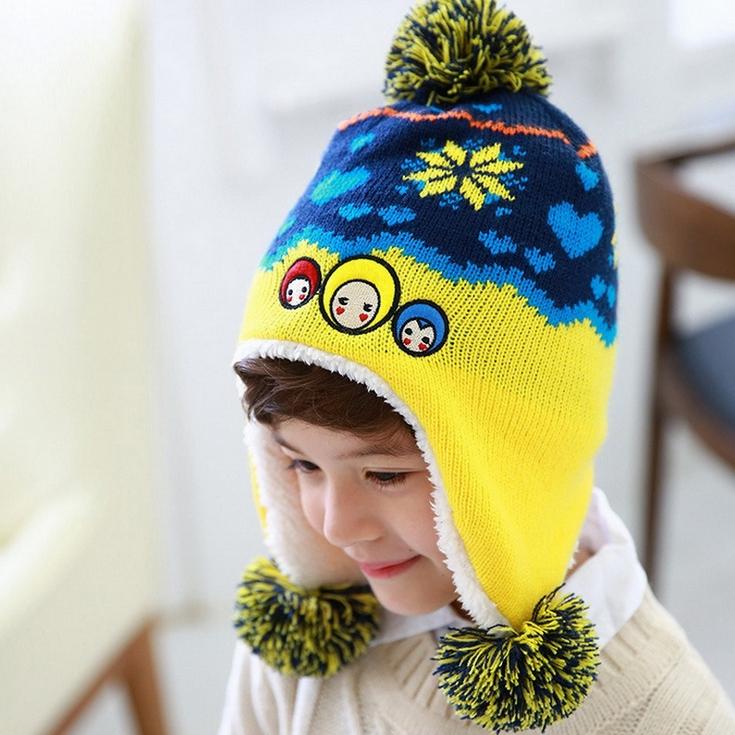 Kofairy◆秋冬保暖雪花大頭娃娃造型拚色毛球兒童毛絨帽-藏青色