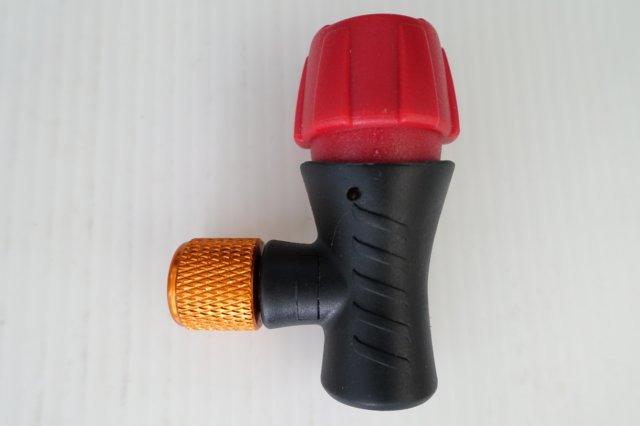 【意生】CO2美法雙用快速充氣打氣接頭【單獨接頭】輕巧易攜帶_CO2高壓打氣瓶 CO2有牙鋼瓶16g帶牙充氣瓶