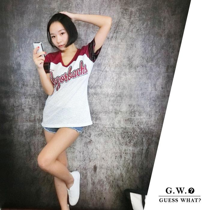 GW【白紅棒球排汗衫換季特價】運動風 短袖 上衣 透氣 F尺寸  GUESSWHAT
