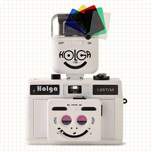 『樂魔派』HOLGA 135 TIM 雙眼 笑臉 半格底片機+閃燈+濾鏡 免運 另售 120 135MM LOMO 膠卷