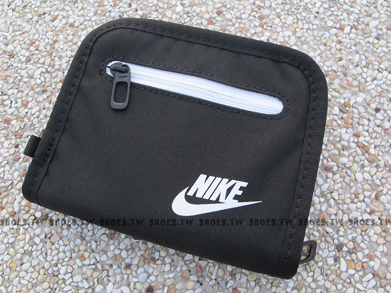 Shoestw【AC3781010】NIKE 零錢包 皮夾 運動皮夾 男女都可 黑白色