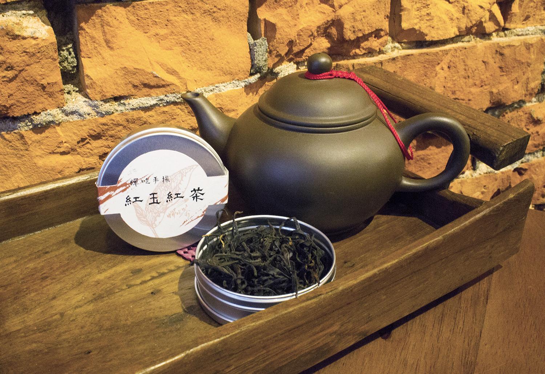 【蟬吃茶】蟬吃手採紅玉紅茶-單罐