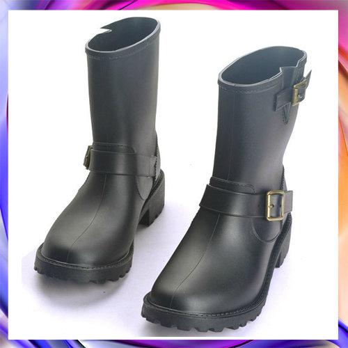 中筒雨靴 雨具-防水防滑時尚流行男女雨鞋2色5s37【韓國進口】【米蘭精品】