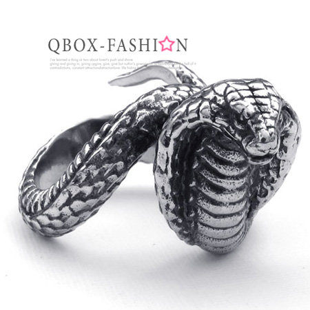 《 QBOX 》FASHION 飾品【W10022554】精緻個性一體成形眼鏡蛇鑄造316L鈦鋼戒指/戒環
