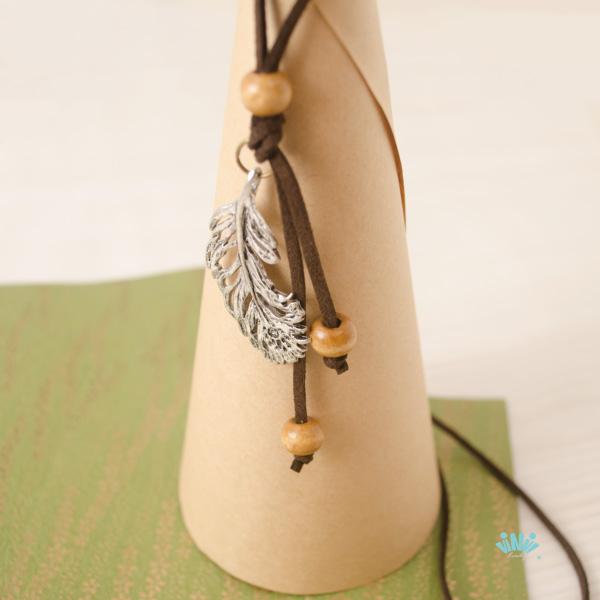 viNvi Lady 飄逸合金羽毛木珠麂皮繩項鍊 毛衣鍊