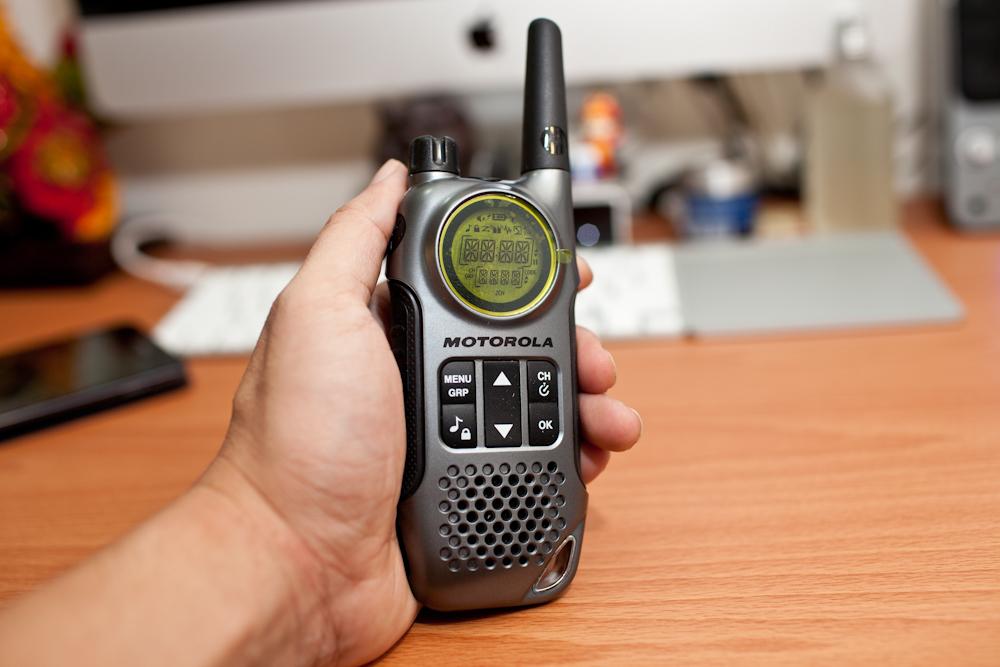 【T8】MOTOROLA 多功能無線遠距離對講機 T8【送原廠耳麥】