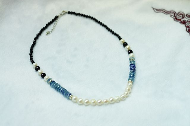 天然堇青石,淡水珍珠,黑玉髓,OL隨意搭配造型項鍊。M141