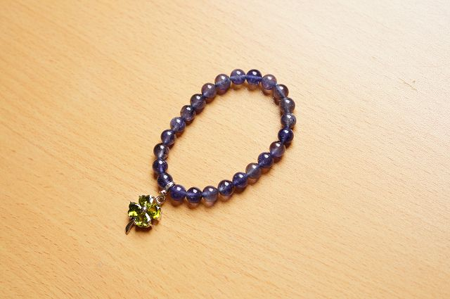 台灣限量寶石,堇青石 8mm手鍊,清澈的迷人色彩,也被稱為「水藍寶石」。【喨喨飾品店】開運配飾 / 開運水晶 。B217