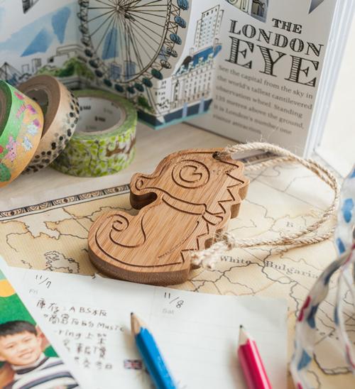 幸福森林.竹製可愛動物鑰匙圈 客製化禮物 海馬弟弟 - 行李吊牌