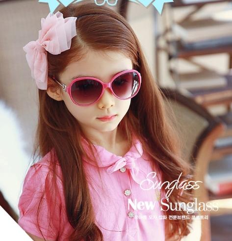 Kocotree◆貴族質感圓鏤空造型兒童紫外線護目太陽眼鏡-玫紅
