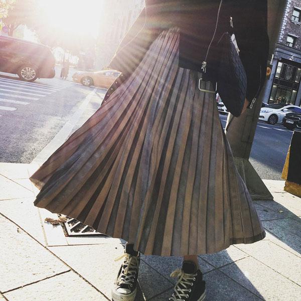 天鵝絨 百折裙 金屬感 百摺裙 長裙 燈芯絨 金絲絨 光澤 中長裙 A字裙 派對 婚禮 韓 金銀黑