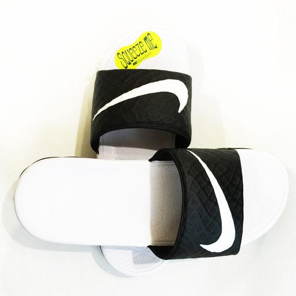 NIKE拖鞋 Wmns Benassi Solarsoft 黑白配 705475-010 流行沙海灘鞋潮流百搭時尚情侶鞋運動休閒男女鞋