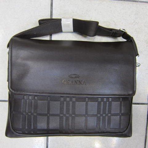 ~雪黛屋~GEANNA 紳士側背包 掀蓋式橫式書包型可放A4資料防水防刮軟皮革正式休閒 65-52542咖