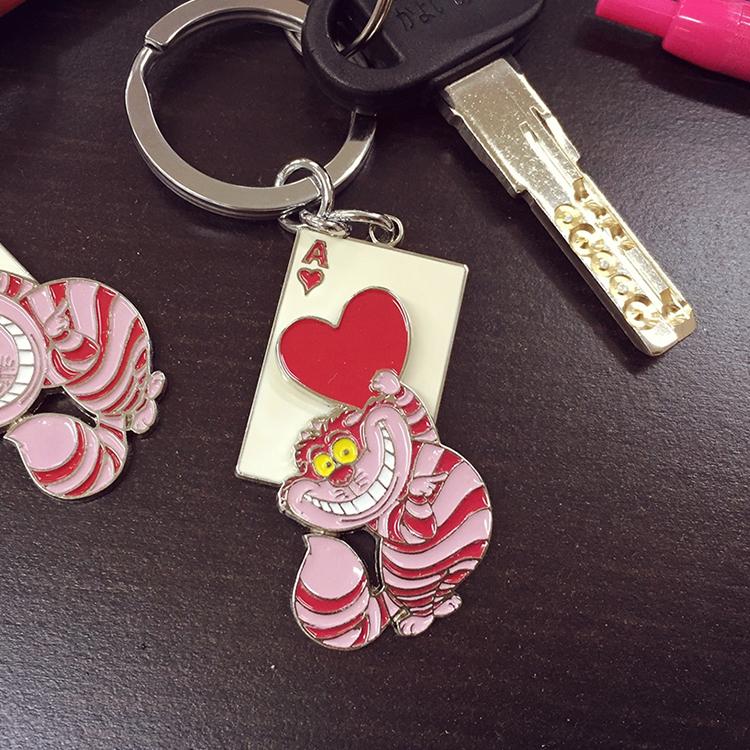 PGS7 日本迪士尼系列商品 - 妙妙貓 鐵片 鑰匙圈 吊飾 愛麗絲 夢遊仙境 紳士貓 Disney