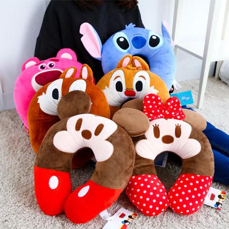 正版迪士尼頸枕 枕頭 抱枕 午安枕 午睡枕 靠枕 靠墊 米奇 米妮 熊抱哥 奇奇 蒂蒂 史迪奇 禮物【B062453】