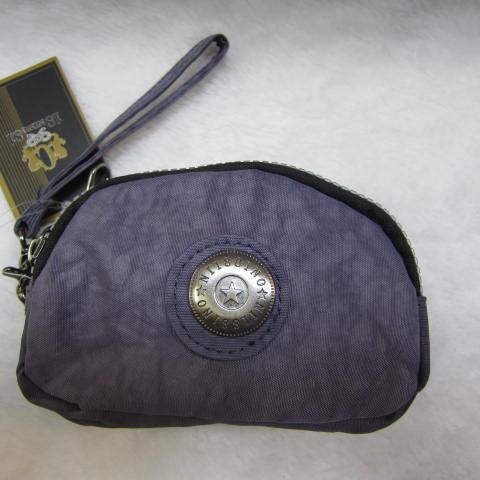~雪黛屋~18NINO81零錢包進口專櫃三層主袋設計進口超輕防水布可放信用卡萬用包小型輕巧方便置口袋好拿M35-038深紫