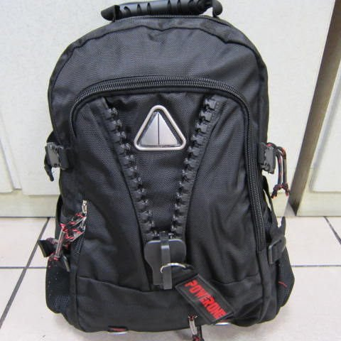 ~雪黛屋~POWERONE 後背包 大齒拉鍊造型後背包 可放15-17吋筆電 防水尼龍布材質 AI854 黑-印字紅
